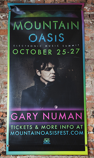 Gary Numan close